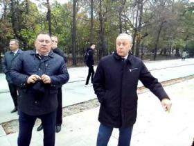 Embedded thumbnail for Валерий Радаев о разрушении новой плитки на Волжской